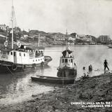 Embarcaciones en el Río Gijalva (con versión mexicana del RMS Titanic)