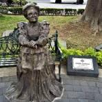 Estatua de Sara García, en el Parque López
